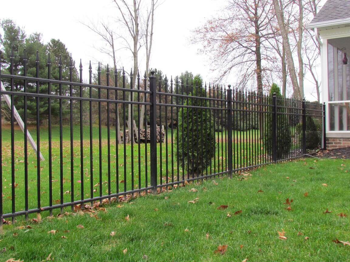 Series-B-Aluminum-Fence-with-Quad-Finials-1-1