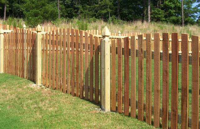 picket WOOD FENCE-2110x1356-1280x823